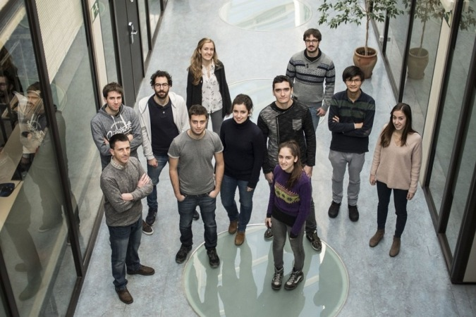 Integrantes de la asociación i2tec posan en el campus de Arrosadia, en Pamplona.