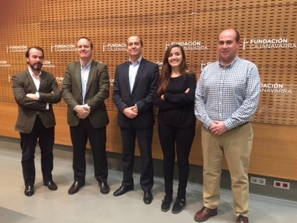 De I a D: Nacho Perlado (ONAY), Javier García Cañete (Fundación Botín), Javier Fernández (Fundación Caja Navarra), Paula Salvador (ONAY) y Diego Cayuela (ONAY).