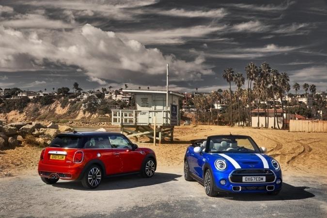 Imagen promocional de las nuevas versiones MINI Cabrio, 3 y 5 puertas.