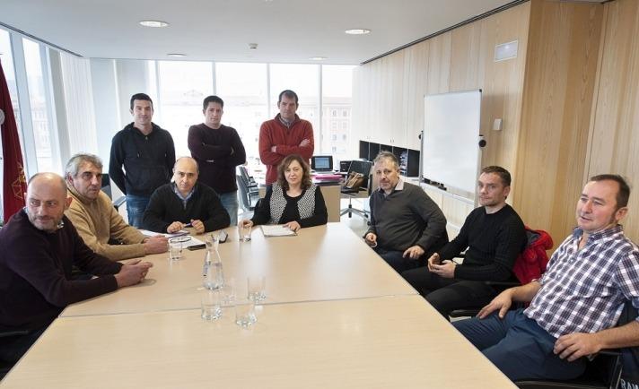 Imagen del encuentro celebrado entre los representantes de UAGN y la consejera Elizalde.