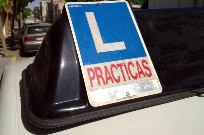 Las autoescuelas y el Gobierno de Navarra han coincidido en señalar que el aumento previsto de examinadores para nuestra región es insuficiente.