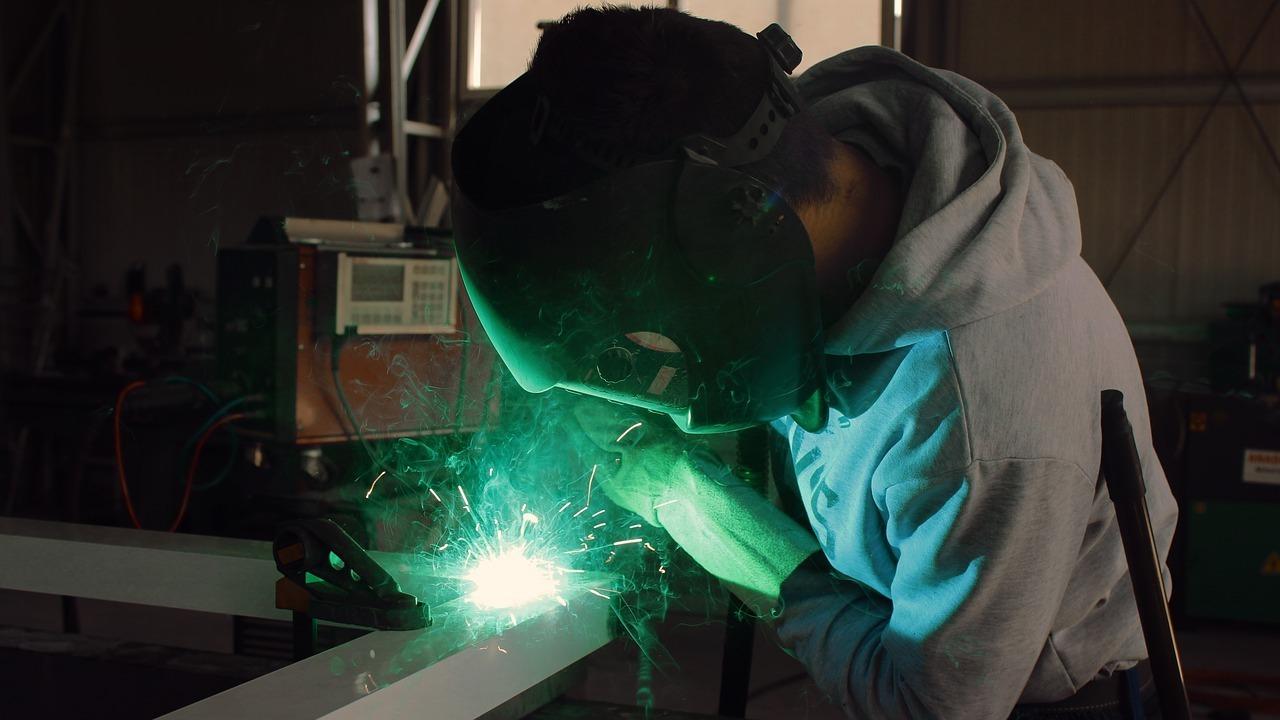 Según denuncia CCOO Navarra ya hay más de 16.000 trabajadores temporales en la industria de nuestra región.