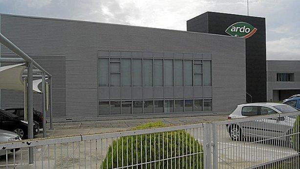 Imagen exterior de la fábrica de Grupo Ardo de Marcilla.
