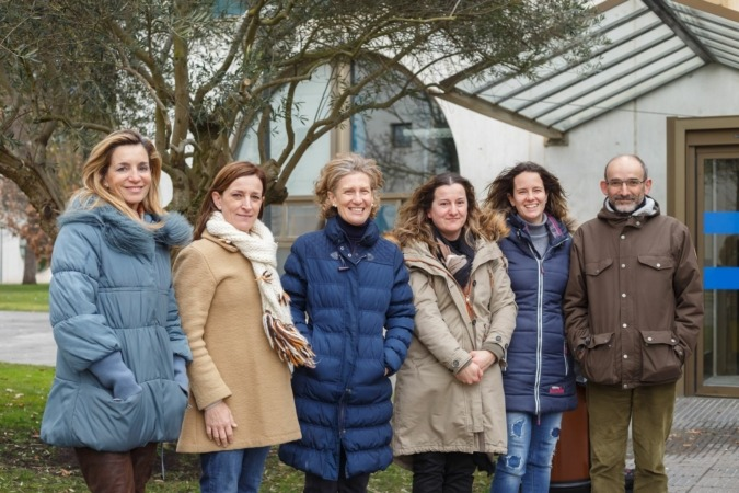 Algunas participantes en el proyecto. De I a D: Mari Jose Beriain, Kizkitza Insausti, Rosa Maria Canals, Victoria Sarriés, María Durán y Javier Peralta.