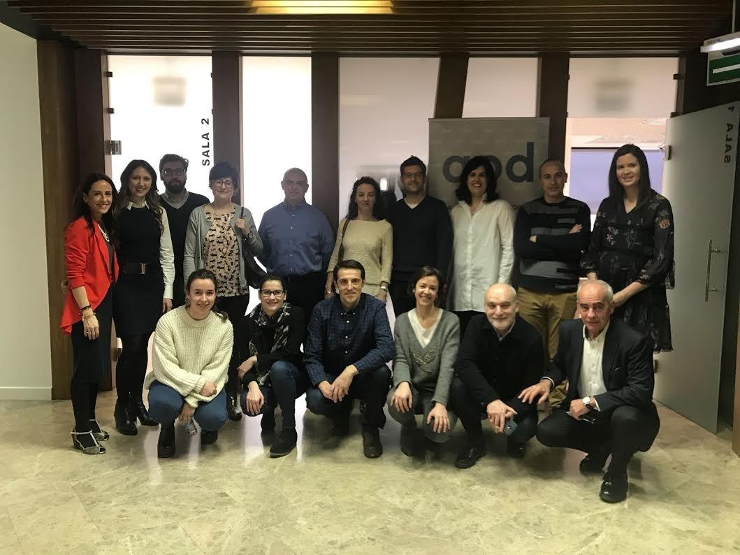 Foto de familia de los participantes en el último encuentro de APD en Navarra.