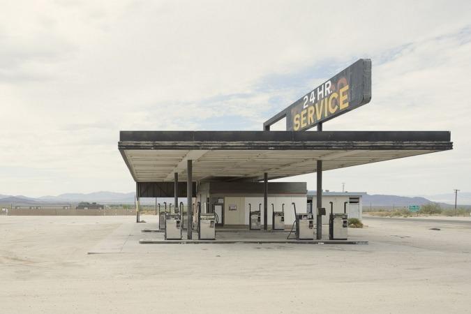 Fotografia de Iñaki Bergera de 'Twentysix (abandoned) gasoline stations', en el MUN a partir de abril.