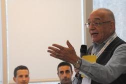 Julio Pitlik se dirige a los participantes en el Campus.