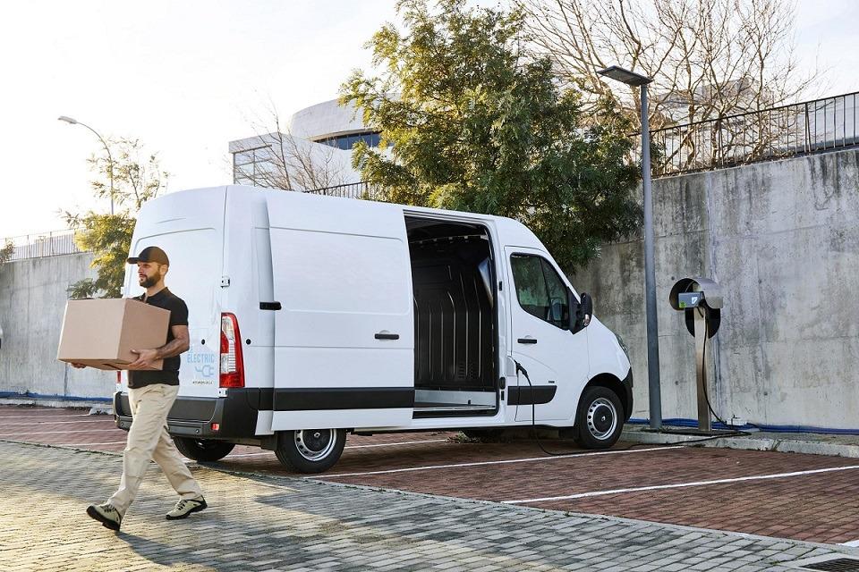 Imagen promocional del nuevo Renautl Master Z.E. 100% eléctrico.