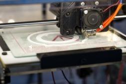 Imagen de una impresora 3 D