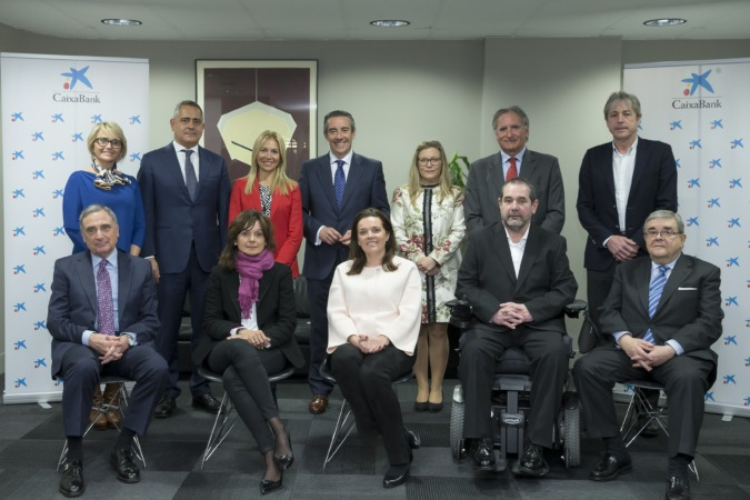 Los miembros del Consejo que han asistido a la reunión.