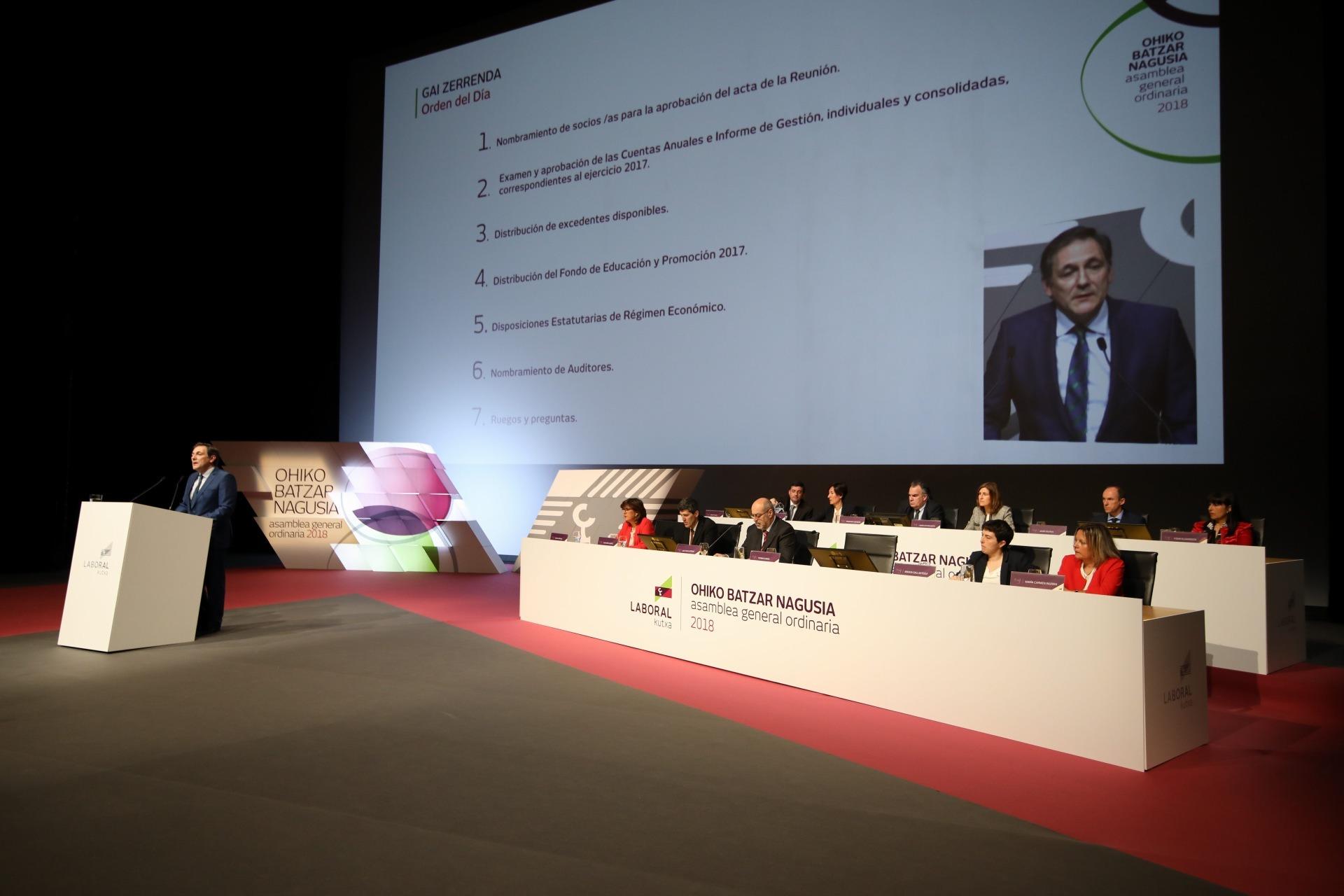 Un momento de la intervención de Txomin García en la Asamblea General de Laboral Kutxa