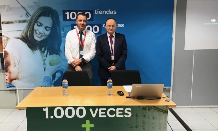 Óscar Casado, a la derecha, presentó la nueva campaña '1.000 tiendas, 1.000 descuentos'