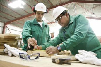 A nivel nacional, la Fundación forma cada año a unos 70.000 profesionales del sector e imparte más de 2 millones de horas de formación.