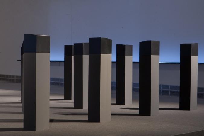 Exposición 'Menhires' de Elena Asins (FOTO: Manuel Castells).