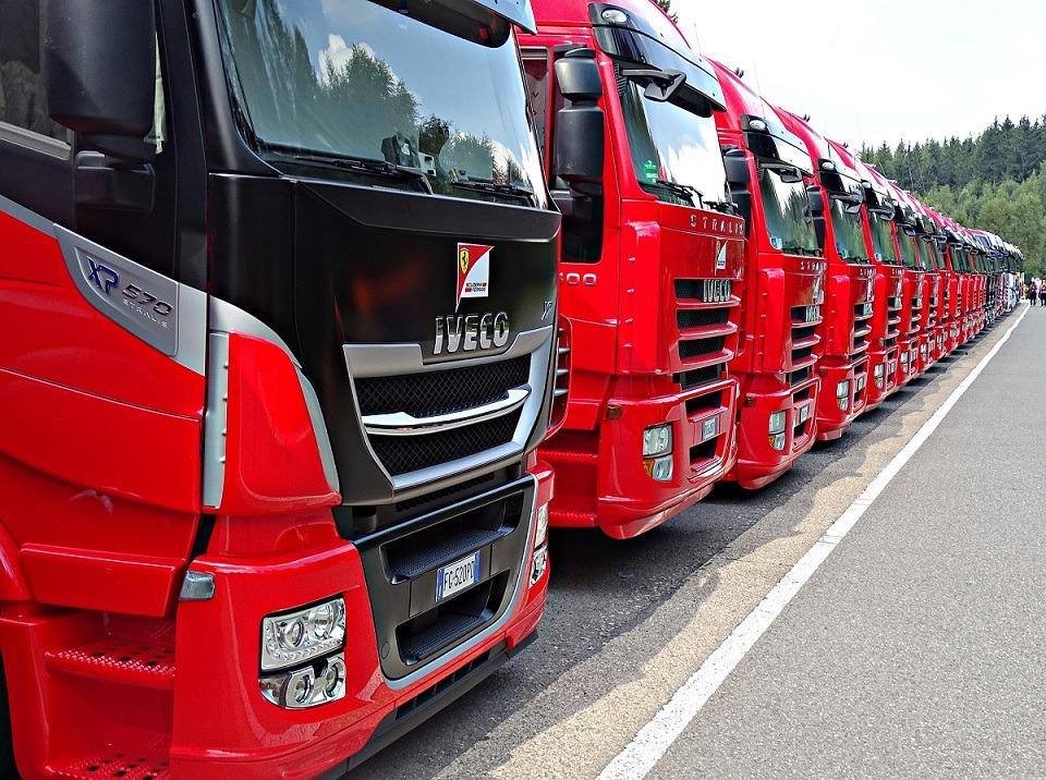 Continúan las protestas del sector profesional del tráfico por carretera.