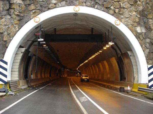 Entrada del túnel de Belate durante unas obras llevadas a cabo anteriormente.