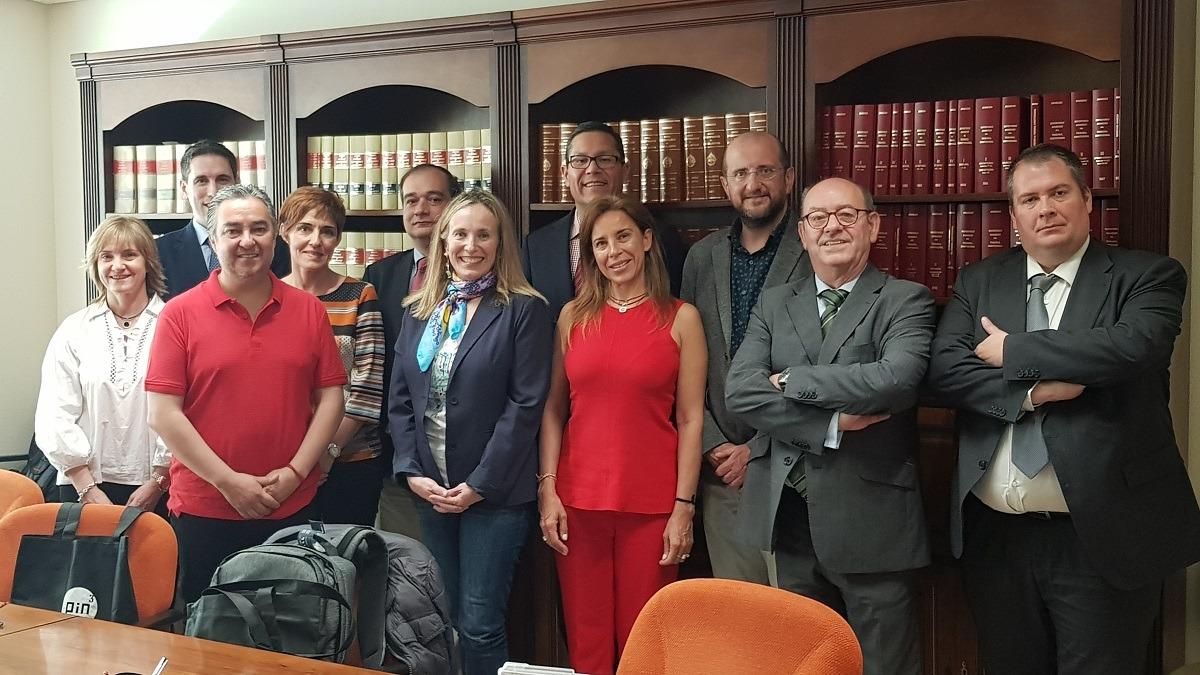 Los participantes en la reunión mantenida en el Gobierno de Navarra.