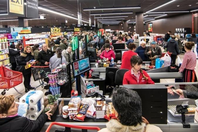 600 tiendas de nueva generación, 31 hipermercados y 570 supermercados realizan el 65% de las ventas alimentarias del Grupo Eroski.
