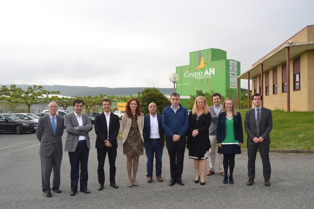 Los ponentes de la mesa redonda han visitado varias compañías, como el Grupo AN, para mostrárselas a la máxima representante de la Economía Social en Europa.