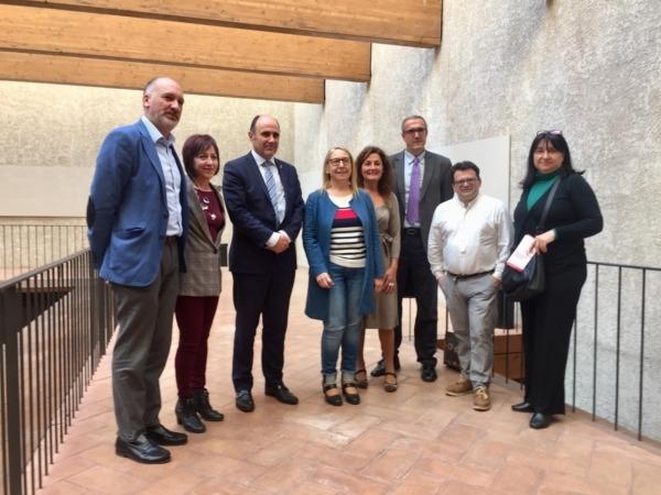 """Los participantes en la sesión de los 'Viernes de Desarrollo Económico""""."""