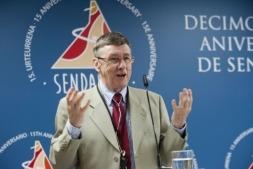 Richard Bluter, durante su intervención en la jornada celebrada con motivo del 15 aniversario de Sendaviva.
