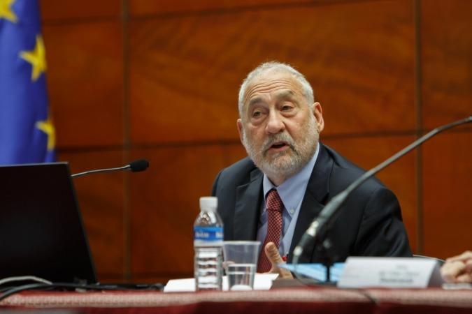 Joseph Stiglitz ha pronunciado su conferencia en la UPNA.