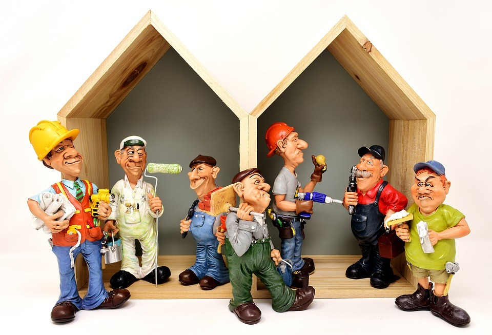 La reforma y rehabilitación de viviendas y edificios sostiene el empleo del sector de la construcción.