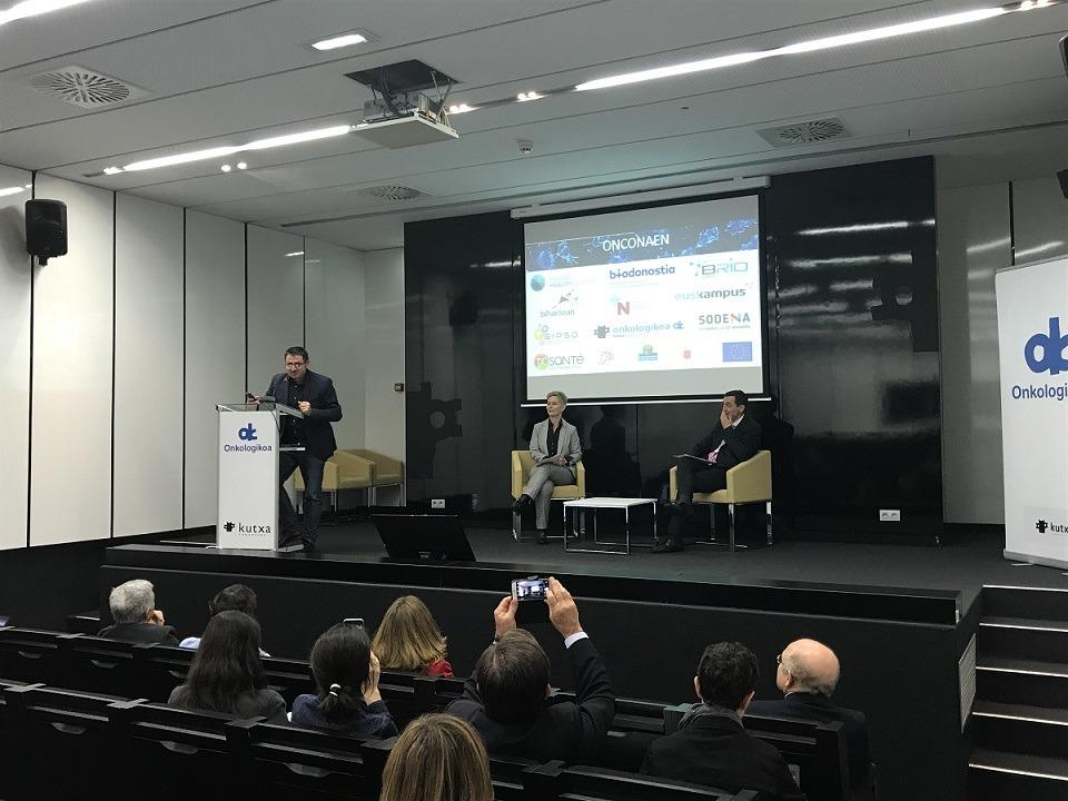 Imagen del acto de presentación del proyecto Onconaen, que tuvo lugar en el centro Onkologikoa de San Sebastián.