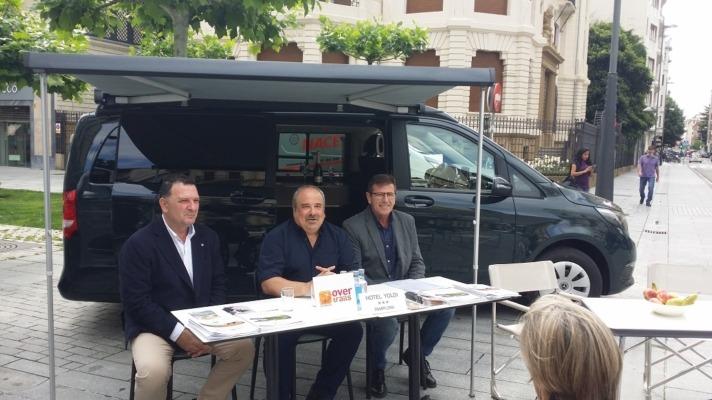 Pedro Alduán de Renault; Karlos Aguirre, de Ovetrails incoming y Enique Janices, de Gazpi