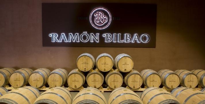 BODEGA-RAMON-BILBAO-SALA-BARRICAS