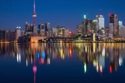"""Vista de Toronto, la capital """"económica"""" de Canadá y considerada una de las principales ciudades financieras del mundo."""