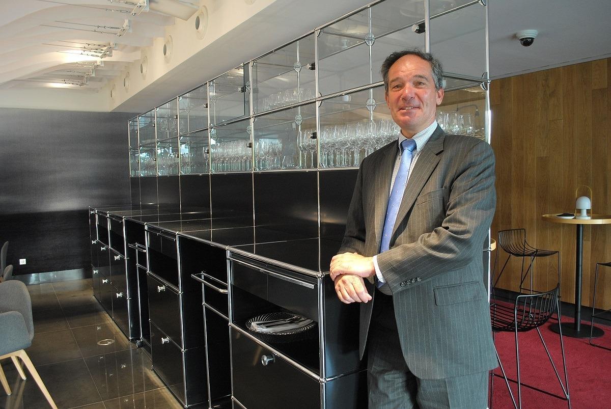 Marc Calcoen, embajador de Bélgica en España, en el restaurante del Museo de la Universidad de Navarra.