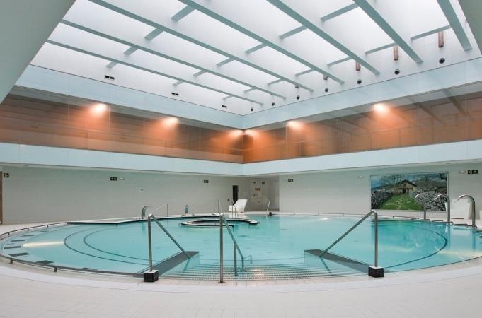 Piscina con agua salada natural en el Hotel & Balneario Elgorriaga.