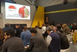 Asistentes a una de las ponencias impartidas por CNTA en Alimentaria.