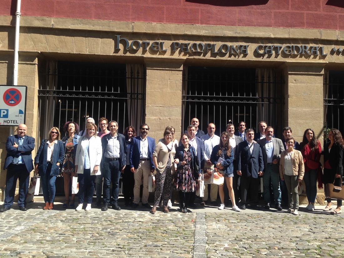Varios de los representantes de empresas y medios de comunicación que formaron parte de la experiencia.