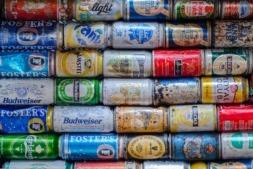 Los fabricantes de latas de bebidas rechazan el nuevo sistema previsto para su reciclado en la recién aprobada Ley Foral de Residuos