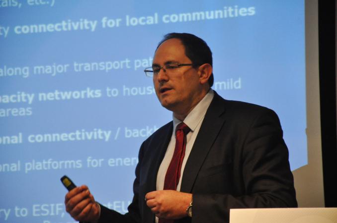 Fabio Lassarre de Letosa, de la dirección general de Conectividad de la Comisión Europea.
