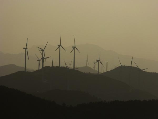 wind-turbines-1066275_960_720