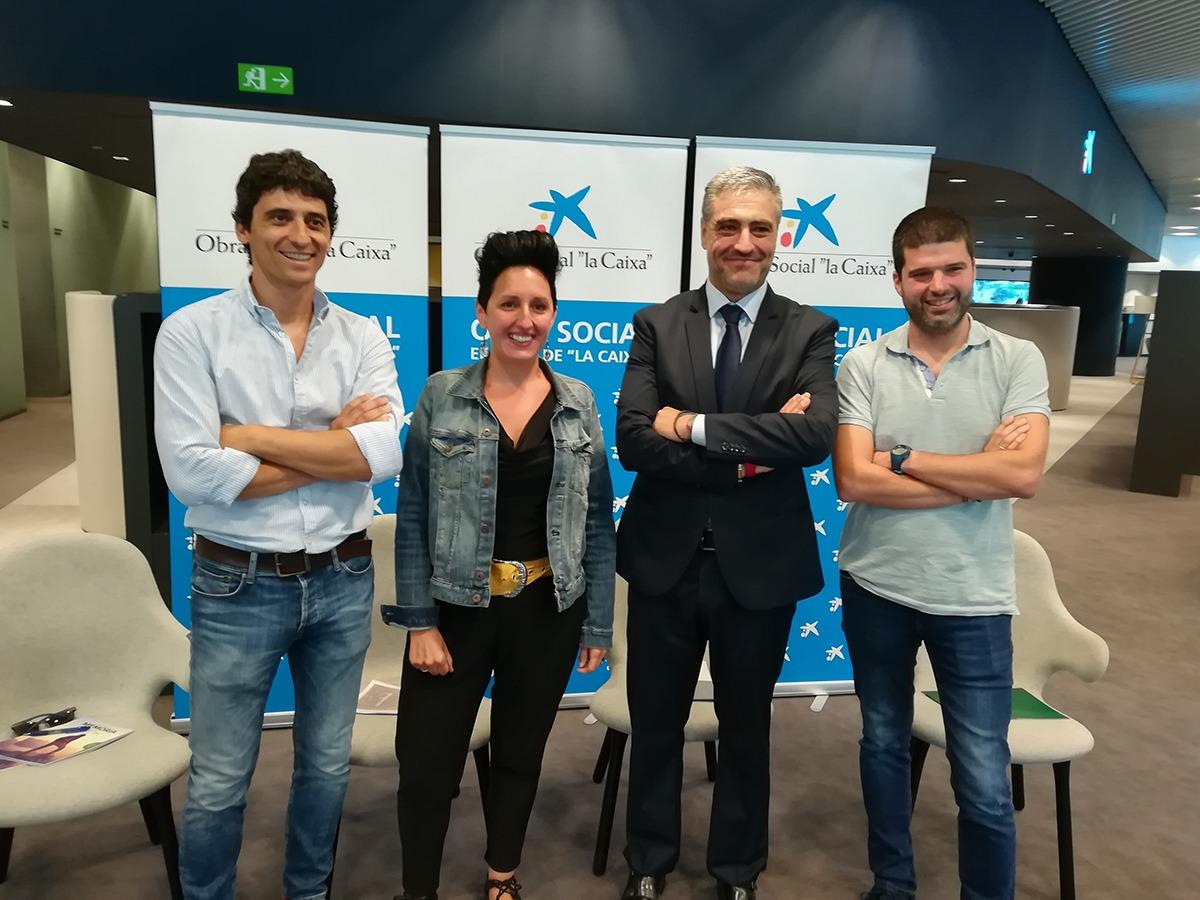 Gorka Moreno, de Fundación Proyecto Hombre, Josune Larrainzar, de Antox, Alfonso Sánchez, de CaixaBank, y Miguel Pérez, de Fundación Ilundáin.