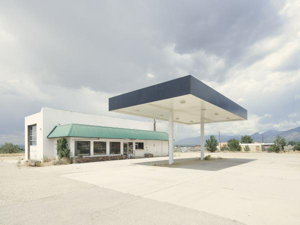 Fotografia de Iñaki Bergera de 'Twentysix (abandoned) gasoline stations'.
