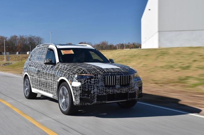 El nuevo BMW X7 afronta las últimas pruebas que le quedan pendientes antes de su llegada al mercado  automovilístico.