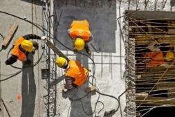 La construcción es el único sector en el que descendió el paro en Navarra en julio.