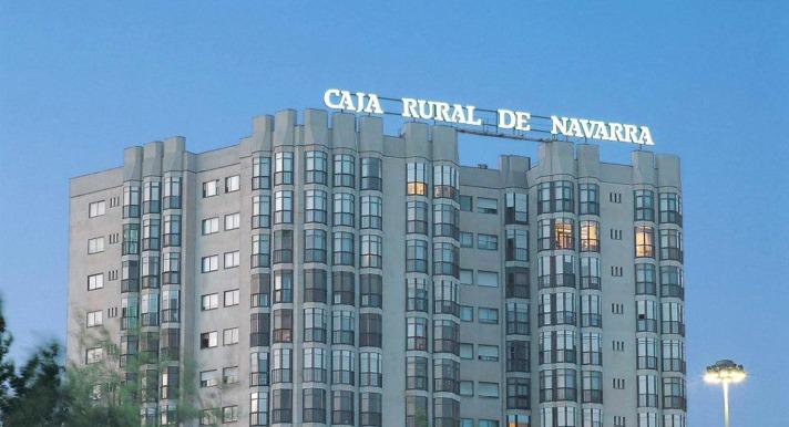Los premios que Global Capital ha concedido a Caja Rural de Navarra fueron entregados en Amsterdam.