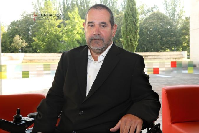 Javier Miranda lleva 15 meses como presidente del patronato de Fundación Caja Navarra, aunque ya antes formaba parte de él como miembro. (Fotografías de Javier Ripalda).
