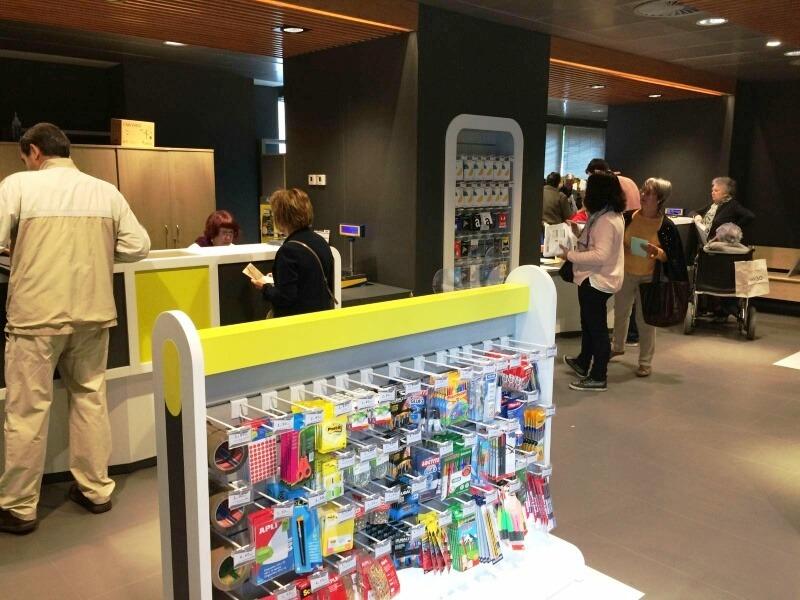 Correos transforma 14 oficinas de navarra a su nuevo for Oficinas bankinter pamplona