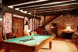 Salón de billar, en el hotel Señorío de Ursúa de Arizkun.