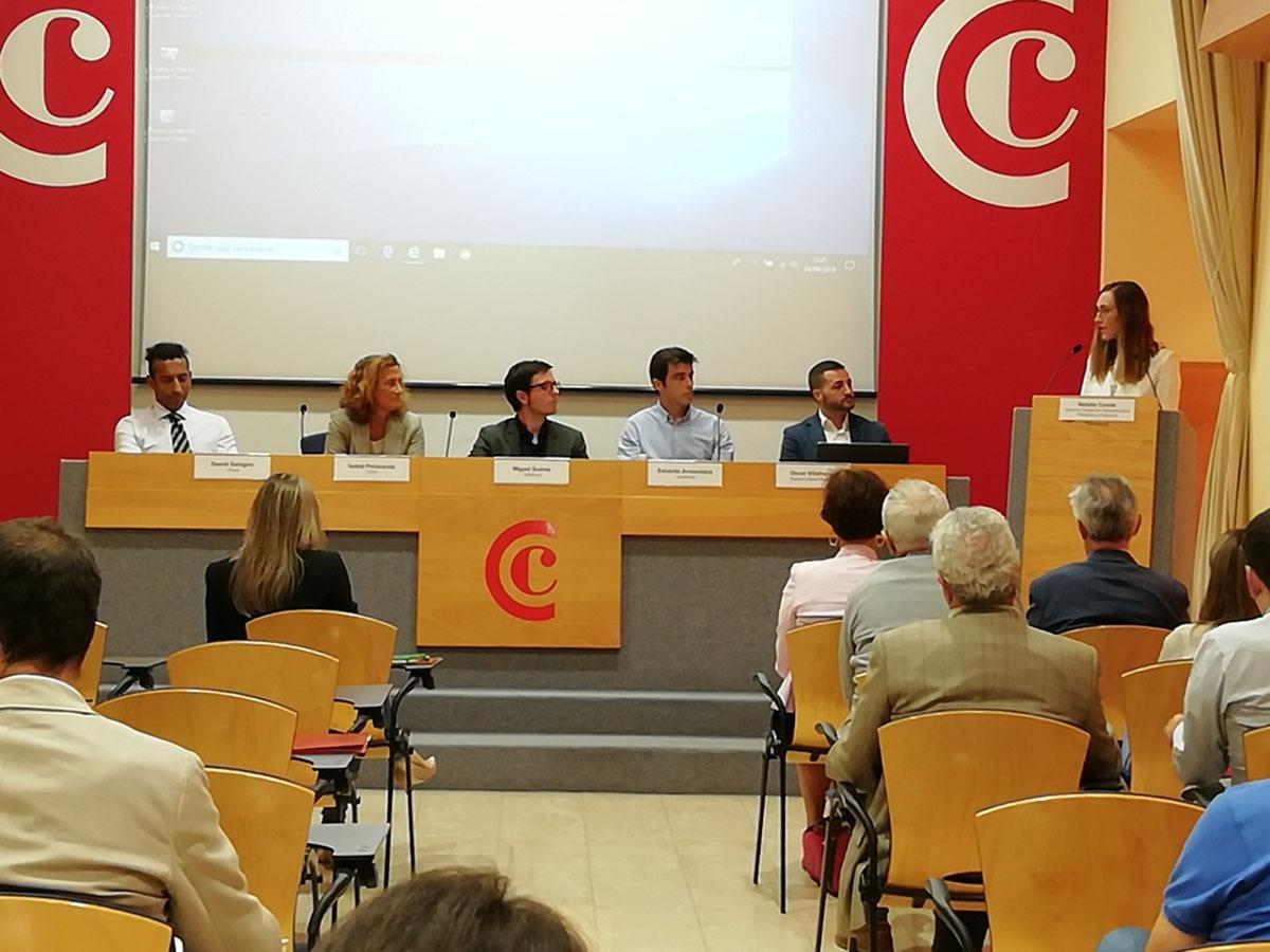De izda. a dcha.: Desiré Gahigiro, Isabel Peñaranda, Miguel Suárez, Eduardo Armendáriz, Óscar Villafranca y Natalia Conde.