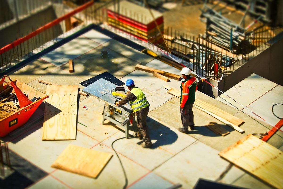 La construcción, uno de los sectores en los que más ha bajado el paro.