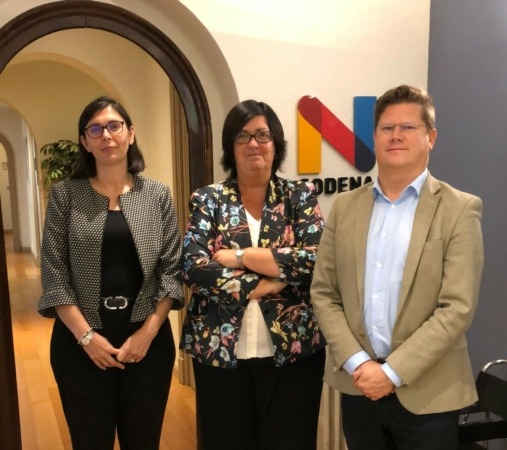 Amaya Manrique, gerente de proyectos de Sodena, Pilar Irigoyen, directora gerente de la sociedad pública, y Tom Vermeulen.