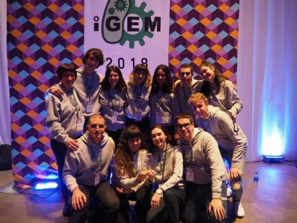 20181028_iGEM_NavarraBG_con_trofeo